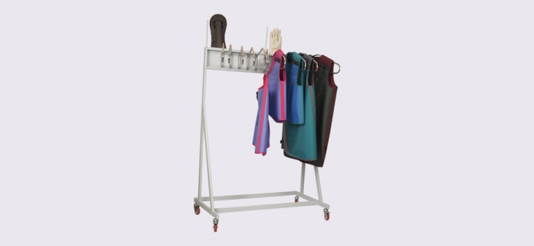 mobile-storage-system-with-hangers